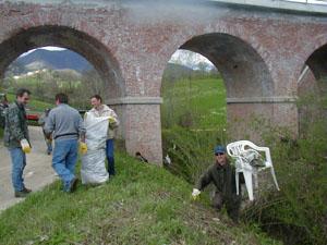 caccia ai rifiuti