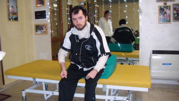 Foto Emenuele Leri durante una seduta di terapia