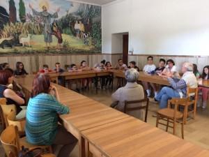 Gli studenti del Consiglio comunale delle ragazze e dei ragazzi in visita alla Caritas